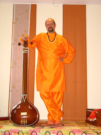 https://akademiaruchu.com.pl/wp-content/uploads/2016/10/Swami-2.jpg