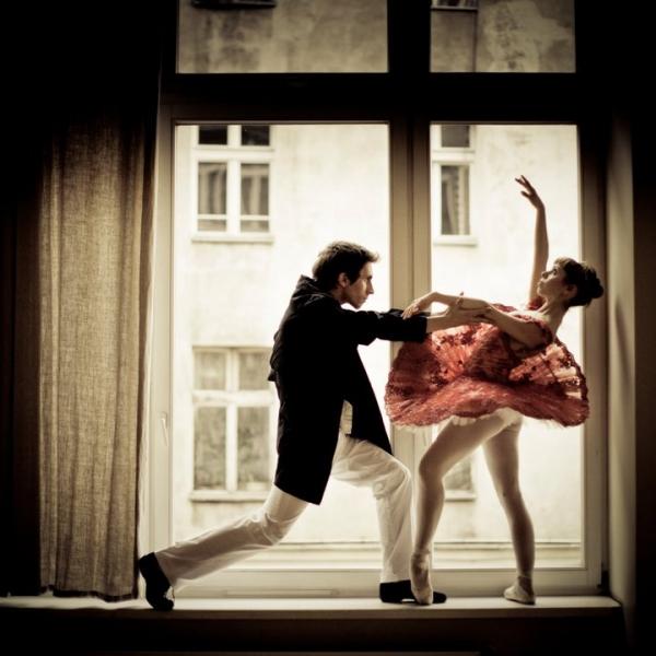 https://akademiaruchu.com.pl/wp-content/uploads/2016/10/Wroclawska-Akademia-Baletu_reference.jpg