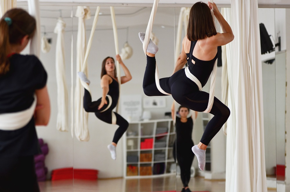 aerial joga wrocław | Akademia ruchu